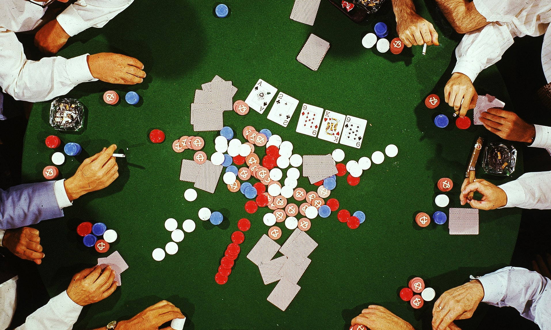 Use An Online Poker Bot To Extend Your Cash - Gambling