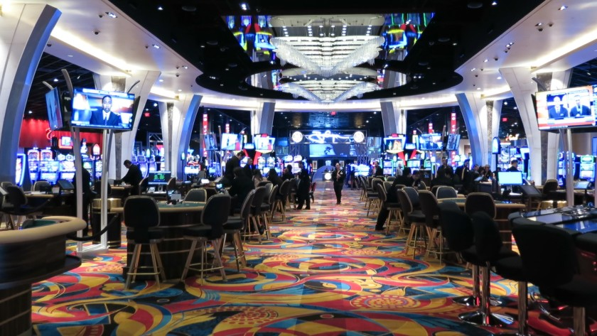 Tips For Playing Online Slots At Real-Money Casinos
